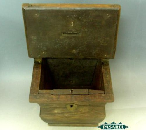 Pasarel Rare Tin Mounted Wood Wall Tzedakah Charity Box